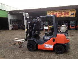 IT 239 Toyota forklift 02-8FGF25